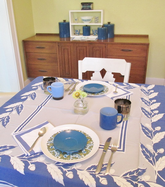 Oct 2015 table setting