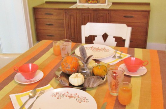 blog color of the table setting