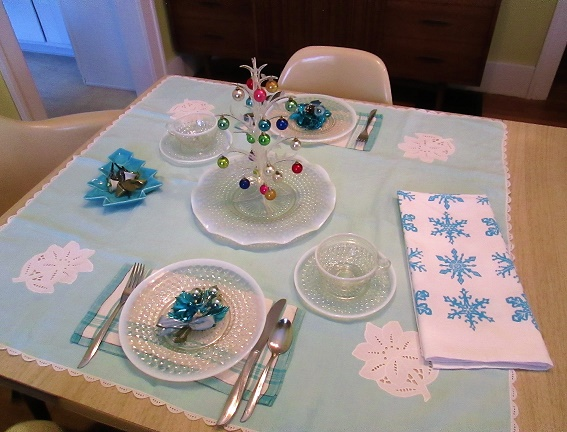 blog table dec 2015 holiday