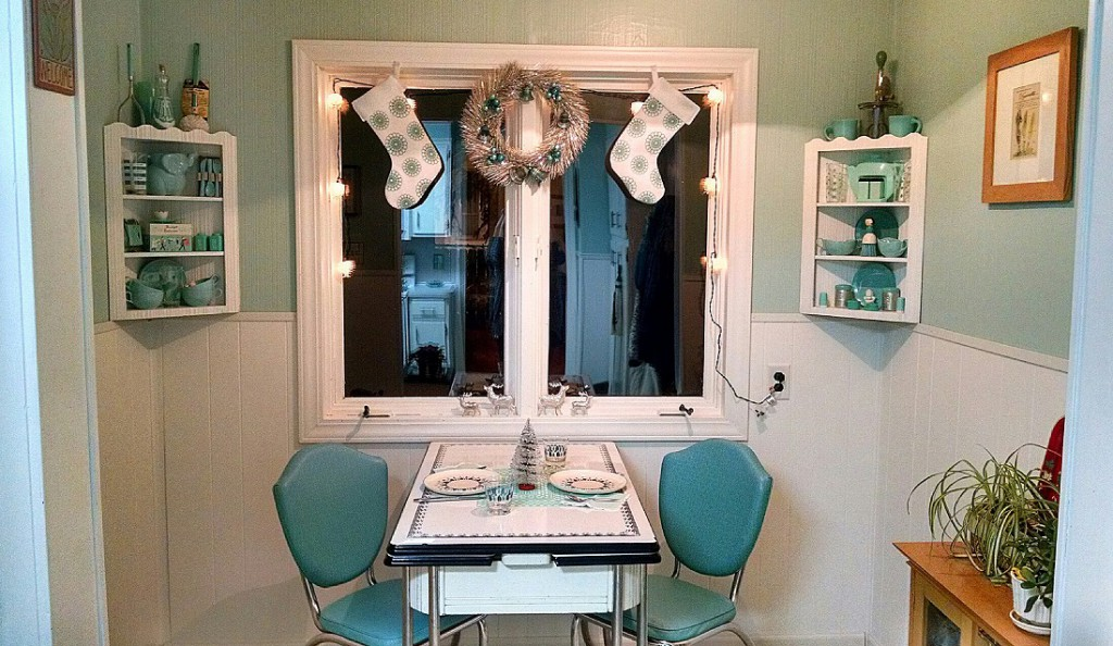 kitchen nook silver aqua